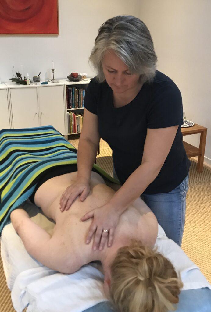 Fysioterapi-massage-ryg